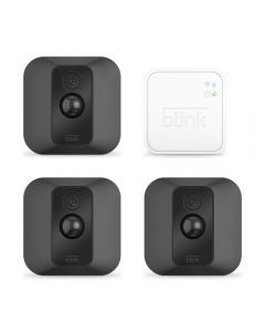 blink: Set Of Three Xt Outdoor Cameras And 1 Sync Unit Four Items